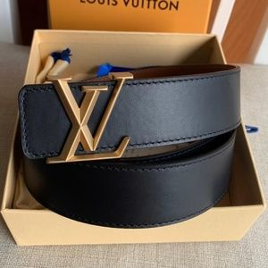 LV Belt with box